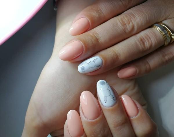 нюдовые-пасхальные-ногти
