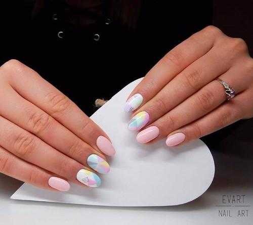 ногти в пастельных оттенках