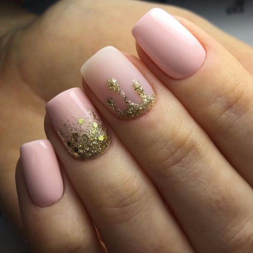 light pink and golden nails for graduation