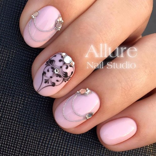 light-pink nails for prom party