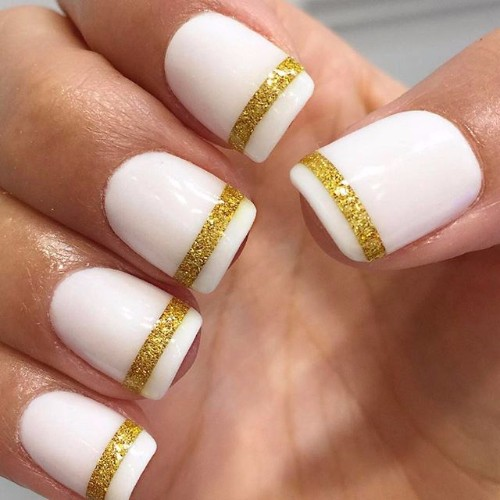 golden and white nails for prom party