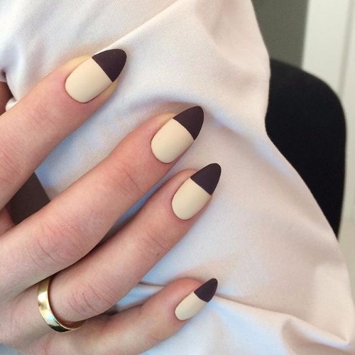 матовые ногти на выпускной
