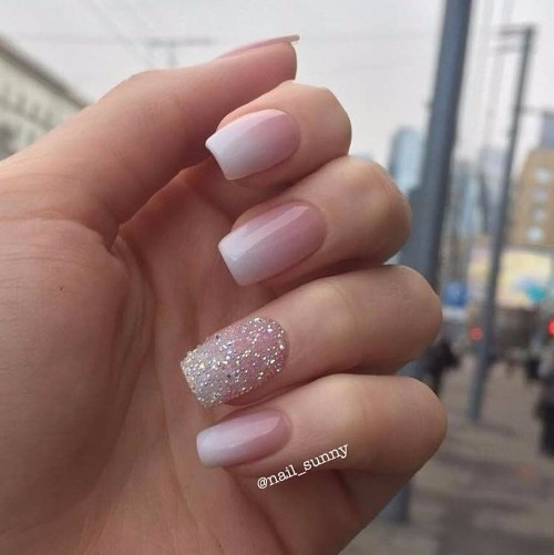 nude prom nails design