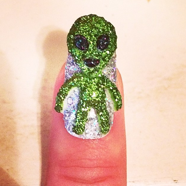 crazy 3D alien nail design