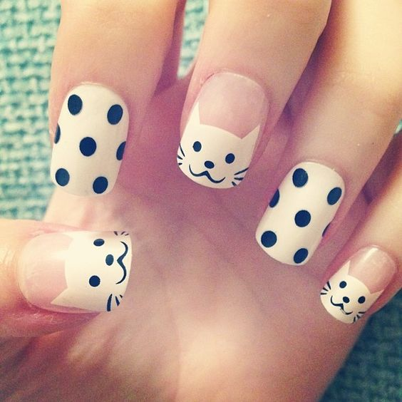 polka-dot nails with cats