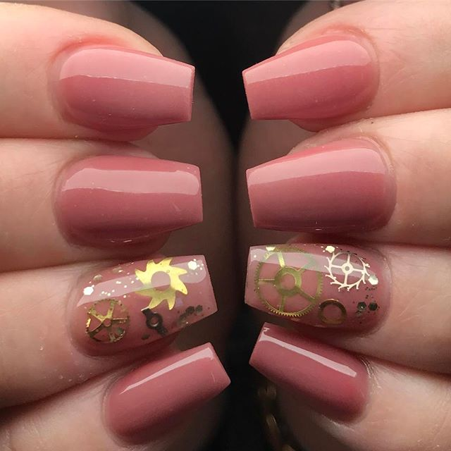 pink-steampunk-nails