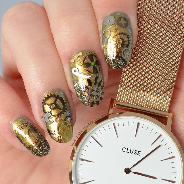golden-steampunk-nails