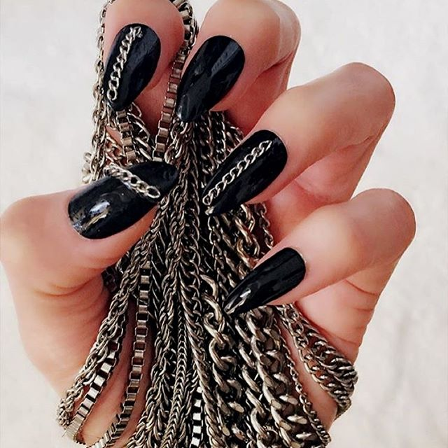 chains nails