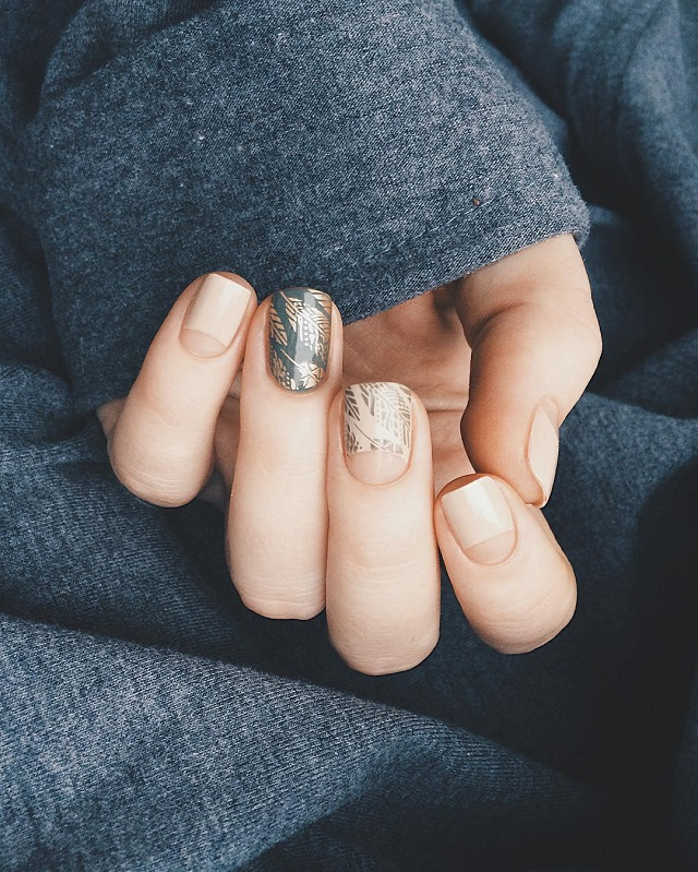 fall nail design in gray shades