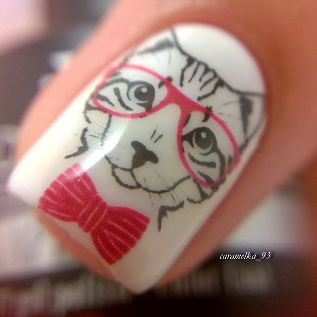 nail design cat with glasses