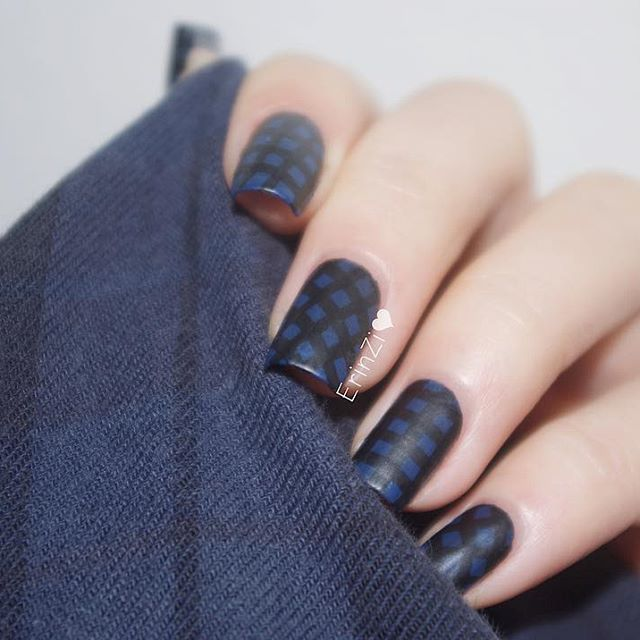 dark gray nails for fall