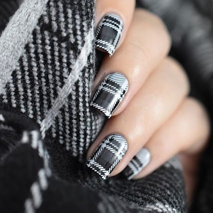 checkered fall nails