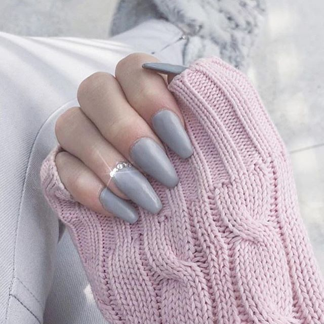 gray trendy nail design