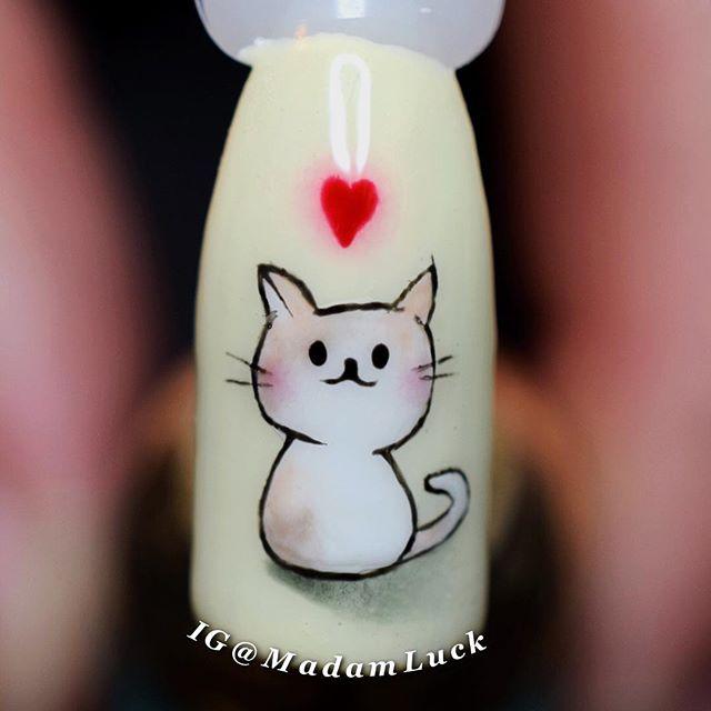 маникюр котик с сердечком