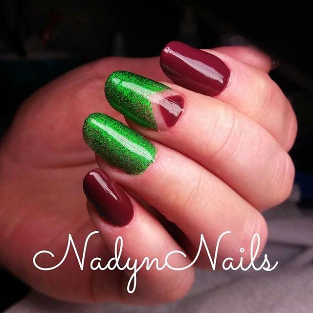 красно-зеленый маникюр ногтей