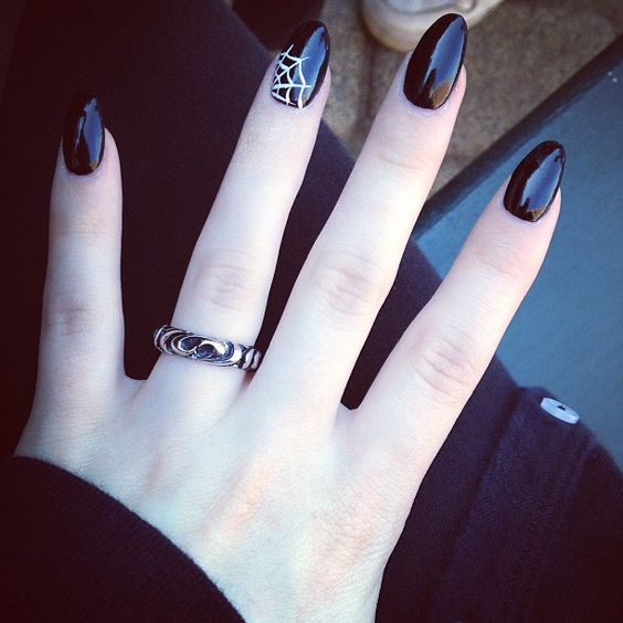 black spider web nails