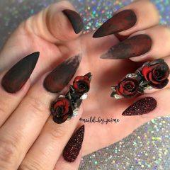 темно-красные бордовые ногти на Хэллоуин