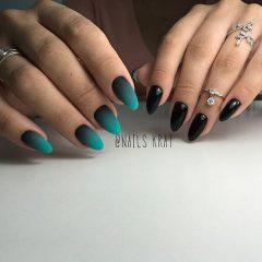 разный маникюр - матовый градиент и черные ногти