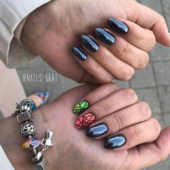 маникюр разные руки черный и разноцветное битое стекло