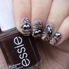 хэллоуинские ногти с прячущимися глазами мумии