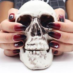 черно красное омбре на ногтях для Хэллоуина