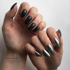 черный и серебряный маникюр на разных руках