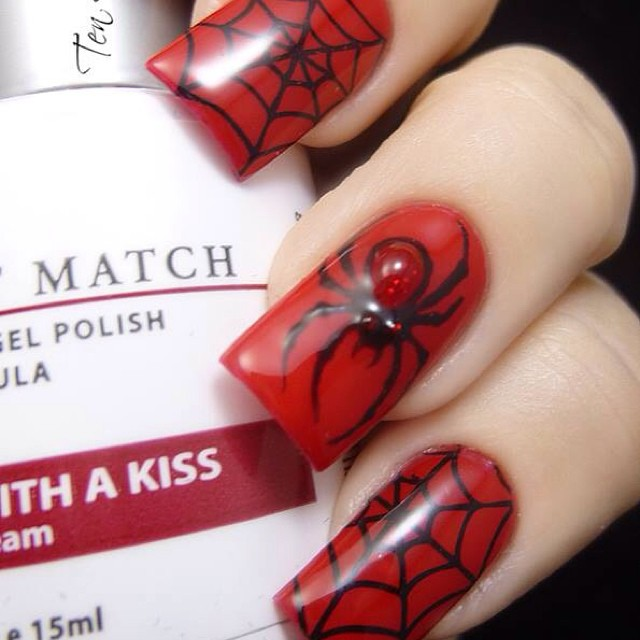 red Halloween spider nails