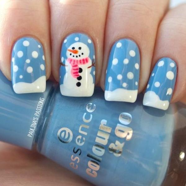 Бело-синий маникюр со снеговиком - френч
