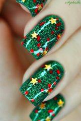 красно зеленый маникюр с золотыми звездами