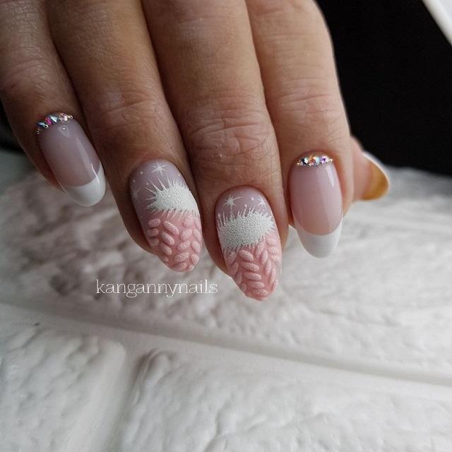 френч с розовыми варежками