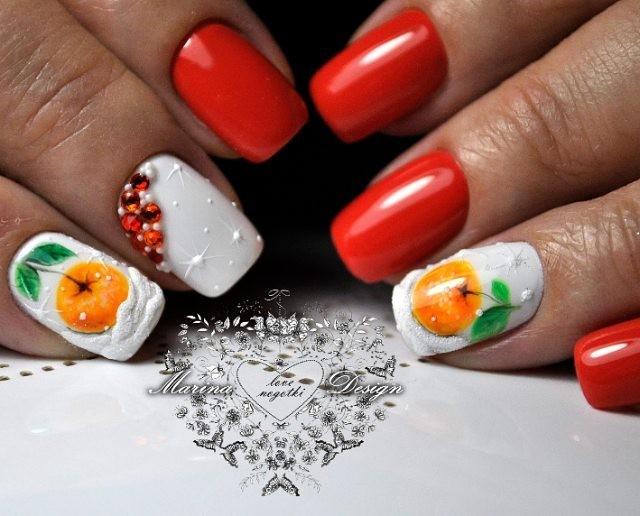 новогодний маникюр с мандаринами в снегу