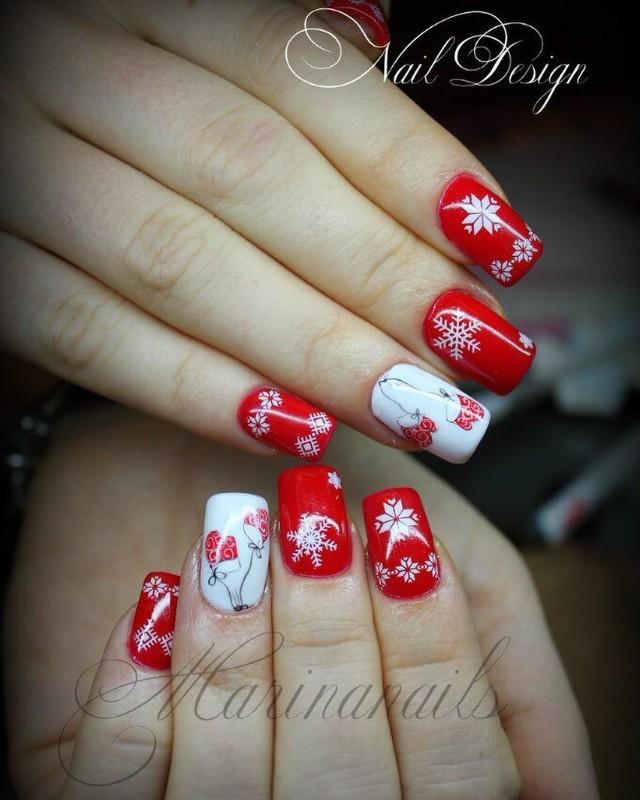 новогодний красный маникюр с варежками