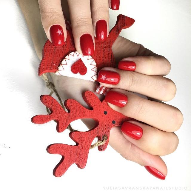 новогодний красный маникюр deep design дип дизайн со звездами