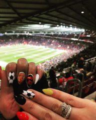 ногти-на-футбольный-матч
