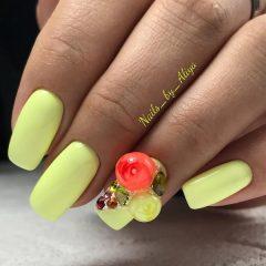 желтые-ногти-с-candy-ball