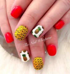 бело-красные-ногти-ананасы