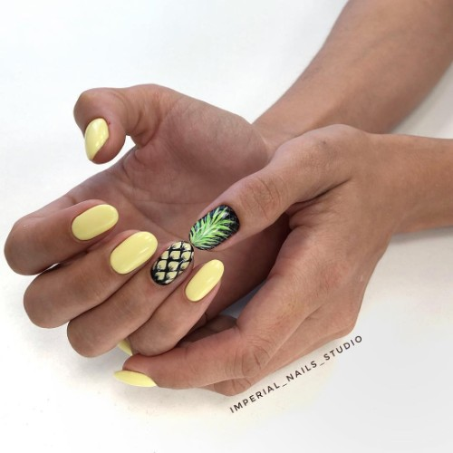 желто-черный-маникюр-с-рисунком-ананас