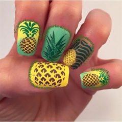 зелено-желтый-маникюр-с-большими-ананасами