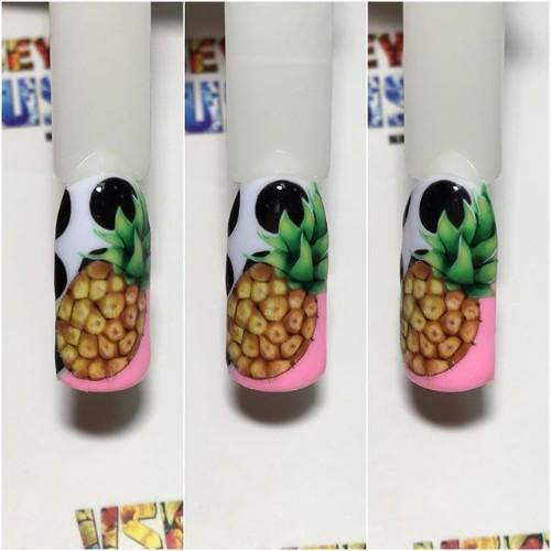 красивый-маникюр-с-рисунком-ананаса