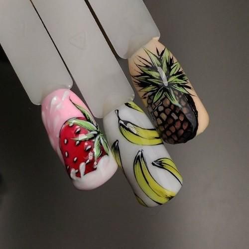 нюдовый-маникюр-бананы-ананасы
