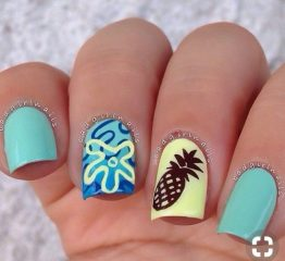 пляжный-маникюр-с-ананасом