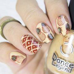 стемпинг-на-ногтях-ананас