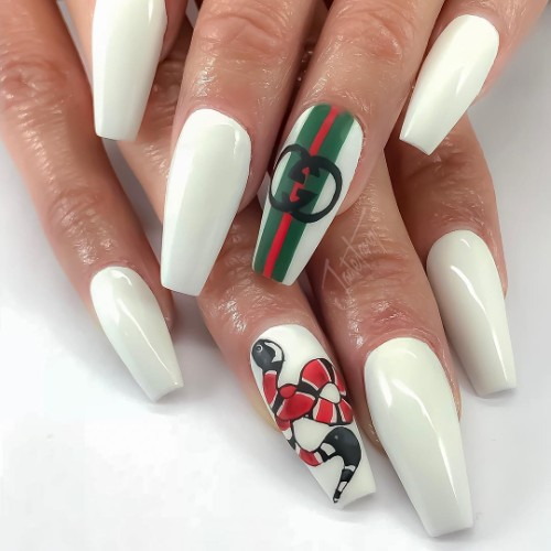 gucci-nails-маникюр-в-стиле-гуччи