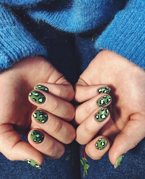 зеленый-леопардовый-маникюр