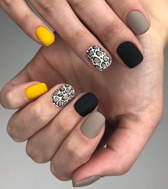 черно-желтый-маникюр-с-леопардовым-принтом