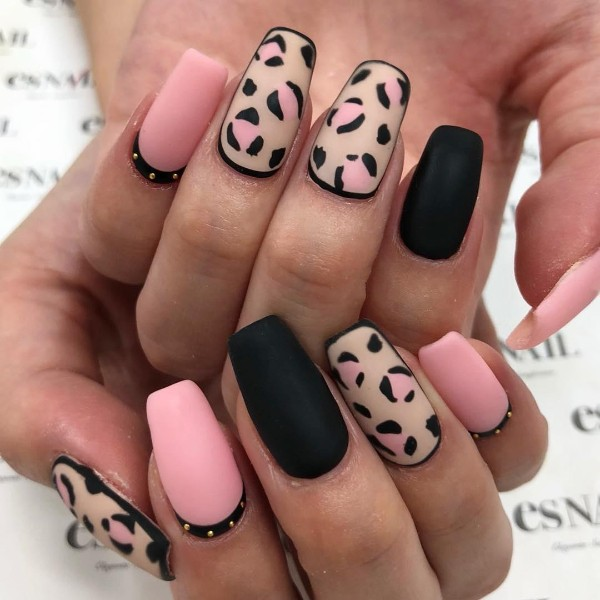 черно-розовый-леопардовый-маникюр