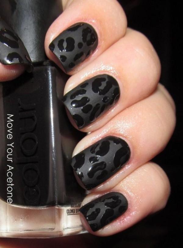 черный-матовый-и-глянцевый-леопардовый-маникюр