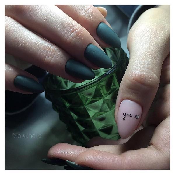 ногти-с-надписью