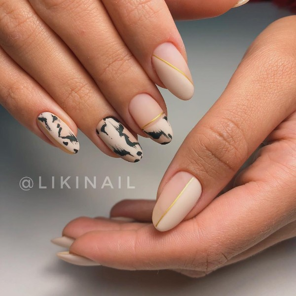 nude-pink-animal-print-leopard-nails