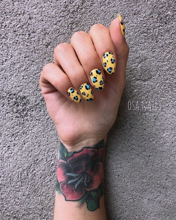 желто-голубой-леопардовый-маникюр